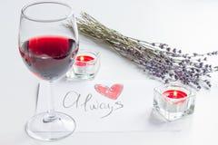 Concept de brief van de de Dagliefde van Valentine ` s op witte achtergrond stock afbeeldingen