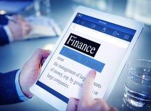 Concept de bureau de Tablette de Digital de dictionnaire de signification de finances Images stock