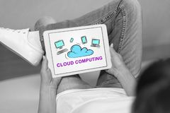 Concept de calcul de nuage sur un comprimé photos libres de droits