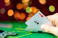Concept de casino, jouant les cartes et l'argent Jouer des cartes dans Image libre de droits