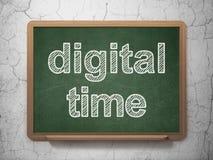 Concept de chronologie : Temps de Digital sur le fond de tableau Photo libre de droits