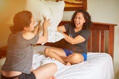 concept de combat d'oreiller photo stock