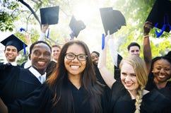 Concept de Commencement University Degree d'étudiant d'obtention du diplôme photos stock