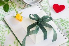 Concept de confession d'amour de cadeau Photos libres de droits