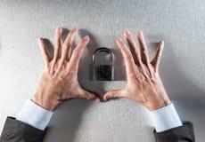 Concept de confiance professionnelle de sécurité et de données, au-dessus de vue photographie stock libre de droits