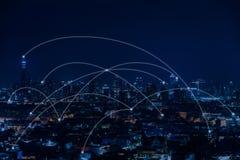 Concept de connexion de communication de réseau Vue du paysage urbain Images libres de droits