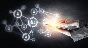 Concept de connexion sans fil et de nouvelle technologie Media mélangé Image stock
