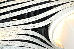 concept de construction de lumière d'art moderne dans l'aéroport de Schiphol en Hollande image stock