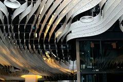 concept de construction de lumière d'art moderne dans l'aéroport de Schiphol en Hollande Images stock