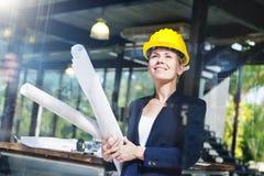 Concept de construction intérieure d'inspiration de femme d'ingénierie images stock