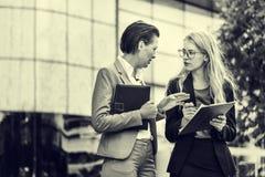 Concept de Corporate Colleagues Talking de femme d'affaires photos stock
