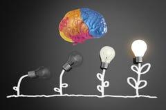 Concept de créativité avec élever l'ampoule illustration stock