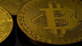 Concept de crypto devise et de Bitcoins banque de vidéos