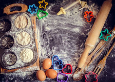 Concept de cuisson sur le fond foncé Photographie stock libre de droits