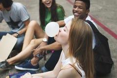 Concept de culture de la jeunesse d'activité d'unité d'amitié de personnes Photos libres de droits