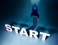 Concept de démarrage, texte de début se tenant dans l'avant avec Rocket Shadow Images libres de droits