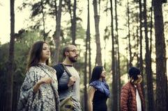 Concept de déplacement de camping de destination de repaire d'amitié de personnes Photos libres de droits