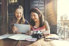 Concept de déplacement de photographie de vacances de repaire d'amitié de filles Photos stock