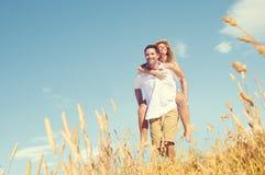 Concept de détente d'amour Romance de ferroutage de couples Photo stock