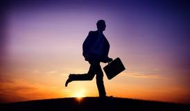 Concept de but de mission de profession de Running Up Hill d'homme d'affaires Photographie stock