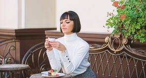 Concept de dessert Temps et relaxation agréables Casse-croûte délicieux et gastronome E photographie stock