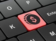 Concept de devise : Pièce de monnaie du dollar sur le fond de clavier d'ordinateur Photos libres de droits