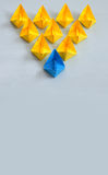 Concept de direction avec les bateaux de papier Photos libres de droits