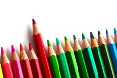 concept de direction avec un crayon se tenant hors de la foule de l'othe Photo libre de droits