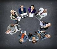 Concept de dispositifs de Digital d'ordinateur portable de technologie de télécommunications mondiales Photos libres de droits