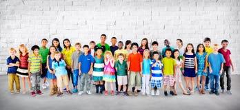 Concept de diversité de bonheur d'amitié d'enfance d'enfants d'enfants Photographie stock