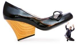 Concept de domination de femme - chaussures et homme Images libres de droits