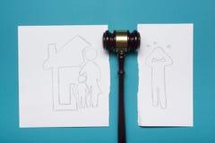 Concept de droit de la famille Section de divorce de la propriété par voies légales Photos stock