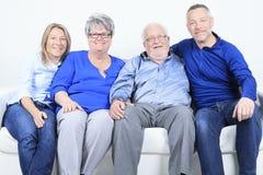Concept de famille, de bonheur, de génération et de personnes photo stock