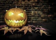 Concept de festival de Halloween Fille de Ghost dans le sang avec d blanc photographie stock libre de droits