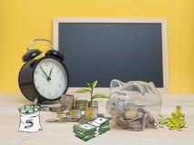 Concept de finances d'économie d'argent de tirelire Photographie stock libre de droits