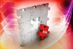 Concept de finances : Risque sur le morceau rouge de puzzle Photos stock