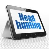Concept de finances : Tablette avec la chasse principale sur l'affichage Image stock