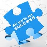 Concept de finances : Toutes les pièces pour le succès sur le fond de puzzle Image stock
