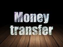 Concept de finances : Transfert d'argent dans l'obscurité grunge Photos stock