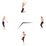 Concept de forme physique avec la femme sportive sur un fond blanc sur l'horloge Photographie stock