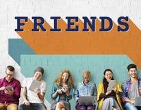 Concept de jeunes de groupe de plaisir d'amitié d'amis Photo libre de droits