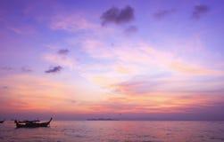 Concept de jour d'environnement du monde : Fond de coucher du soleil de ciel images stock