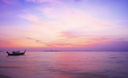 Concept de jour d'environnement du monde : Fond de coucher du soleil de ciel photographie stock libre de droits