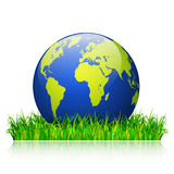 Concept de jour d'environnement du monde Globe de la terre sur le vecteur d'herbe verte Images stock