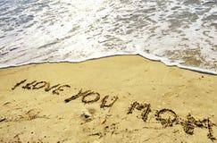 Concept de jour du ` s de mère sur le sable image stock