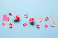 Concept de jour du ` s de Valentine avec la moquerie de fond de coeur  Photographie stock