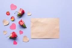 Concept de jour du ` s de Valentine avec la moquerie de fond de coeur  Photos stock