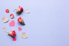 Concept de jour du ` s de Valentine avec la moquerie de fond de coeur  Image stock