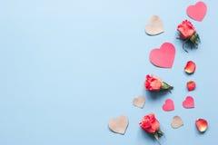 Concept de jour du ` s de Valentine avec la moquerie de fond de coeur  Photo libre de droits