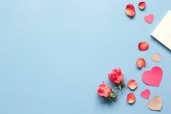 Concept de jour du ` s de Valentine avec la moquerie de fond de coeur  Photos libres de droits